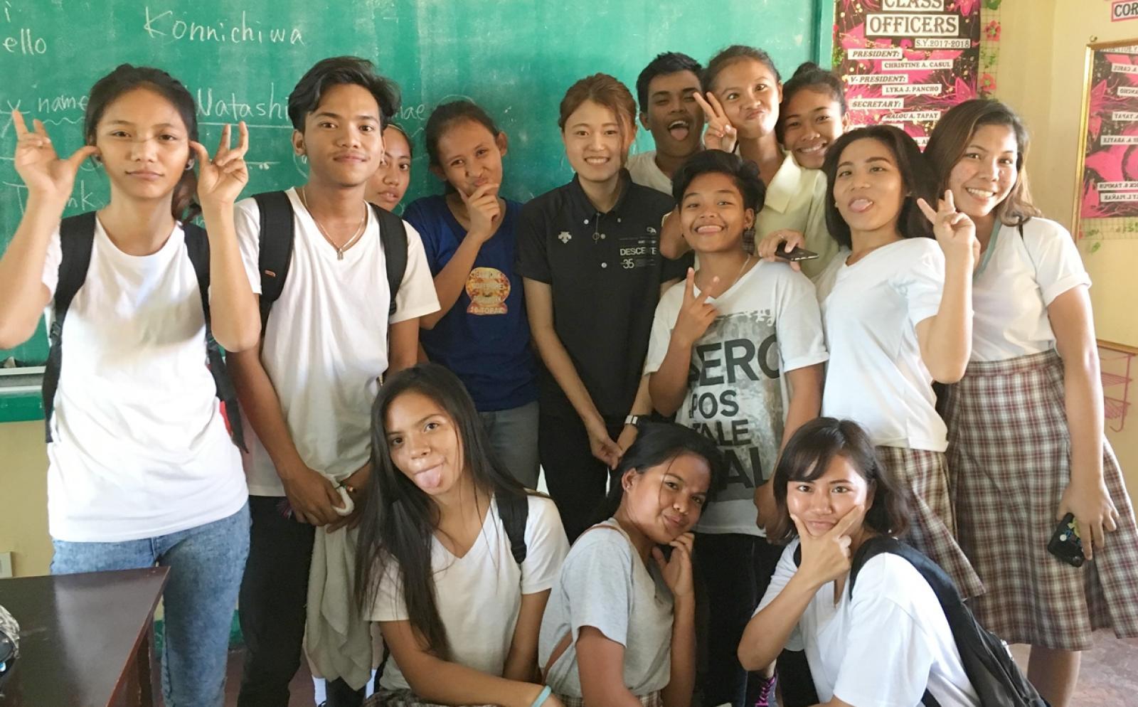 フィリピンで日本語教育に取り組む日本人ボランティア